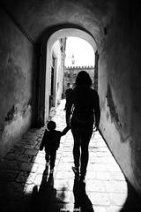 Volterra, Toscana (MarcoAgustoniPhotography) Tags: toscana volterra blackwhite bianco e nero profili passaggio