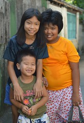 sister, brother, friend (the foreign photographer - ฝรั่งถ่) Tags: three children sister brother friend khlong lat phrao portraits bangkhen bangkok thailand nikon d3200