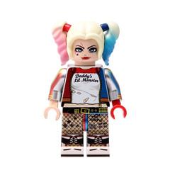 lego custom by HOBBYBRICK (zerobaek0100) Tags: suicidesquad harlequin lego custom minifigure hobbybrick hobbybrickcom hobby brick dc hero movie prison style realcustom badguy badgirl