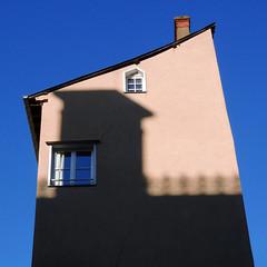 Rennes, près du Parlement (Les 3 couleurs) Tags: carré square rennes ombres shadows bretagne brittany