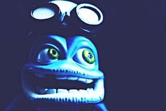 Crazy blues ! (Moni'cam ツ) Tags: macro macromondays theblues crazyfrog