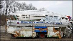 Mülheim - Kolkerhofweg (abudulla.saheem) Tags: helau stophavingfun schlussmitlustig mülheimerkarnevalsverein1972ev airship luftschiff zeppelin kolkerhofweg mülheim ruhrpott ruhrarea ruhrgebiet nrw germany deutschland panasonic lumix dmctz101 abudullasaheem