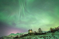 more northern lights - Vestpollen (Stefan Giese) Tags: nikon d750 walimex polarlicht northernlight auroraborealis lofoten norway norwegen vestpollen grün polarlich walimex14mm walimex14mmf28 kirche church