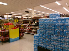 Bottled water and condiments (l_dawg2000) Tags: 90s classic dairy deli food formerneonstore formerwannabeneonstore groceries jacksontn kroger labelscar madisoncounty meats milk millenniumdécor pharmacy produce tennessee tn uscan jackson unitedstates usa