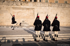 Changing of the guard (Mario Aprea) Tags: marioaprea atene capital città city grecia cambio guardia