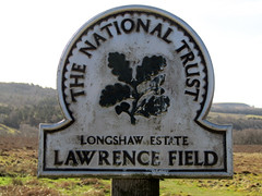 Lawrence Field, Surprise View 2018 (Dave_Johnson) Tags: surpriseview surprise view peakdistrict nationalpark peaks hills derbyshire lawrencefield longshaw longshawestate nt nationaltrust sign hopevalley omegasign