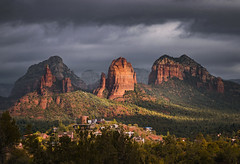 Sedona, Arizona (zwainhaus) Tags: sedona arizona desert light storm clouds cliff red zalman wainhaus
