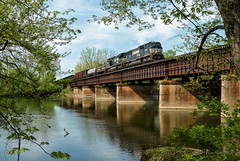 305 Over the Miami (Wheelnrail) Tags: ns norfolk southern dayton district ohio train trains emd sd70m locomotive great miami river miamisburg oh 305 freight manifest rail railroad rails ge spring trees water
