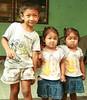 neighbor boy with twin girls (the foreign photographer - ฝรั่งถ่) Tags: neighbor boy twin girls khlong thanon portraits bangkhen bangkok thailand canon kiss