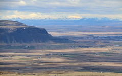 Ingólfsfjall (hó) Tags: suðurland ingólfsfjall skálafell tindfjöll selfoss landscape iceland fields farms mountains april 2018 sky clouds shadows
