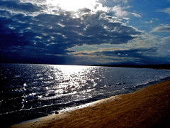 Ray of Light (lRoda) Tags: ilhadomel praia beach paran brasil clouds sand areia sony nuvens w5 honeyisland interestingness282 i500 explore13aug06 aleroda