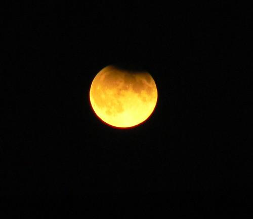 Eclipsed Moon Rising Vesta