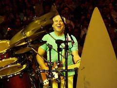 Jimmy Buffett at Madison Square Garden (aka Buddy) Tags: nyc music fix concert stage jimmy performance parrot 2006 og heads buffett jimmybuffett mgs parrothead fixme onassignmentgroup vr:vip=officegeeknj