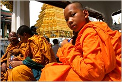 Novice-Wat Phra Keo (kinginexile) Tags: kids portraits children thailand bangkok religion buddhism monks perplexity itsong–mirrors–southeastasia monkhood novices