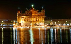 Sri Harmandir Sahib / Golden Temple (Dew Drop) Tags: india night reflections lights bravo heaven explore pilgrimage gurudwara goldentemple amrit harmandirsahib 25faves satguru gurughar TGAM:photodesk=water