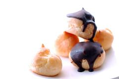 petit chou  la crme (yoshiko314) Tags: cake dessert chocolate sweets  choulacrme