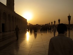 medina (Nim) Tags: sun sunrise muslim islam mosque medina madinah masjida