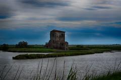 old (ecordaphoto) Tags: vecchio panorama casa abitazione fiume mare landscape sky cielo hdr river