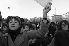 _DSF8554 (sergedignazio) Tags: france paris trocadéro tour eiffel street photography photographie rue fuji xpro2 manifestation rassemblement fenmen jacqueline sauvage justice prison