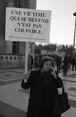_DSF8215 (sergedignazio) Tags: france paris trocadéro tour eiffel street photography photographie rue fuji xpro2 manifestation rassemblement fenmen jacqueline sauvage justice prison