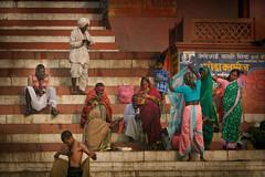 Inde: sur les ghats de Varanasi. (claude gourlay) Tags: inde india asie asia claudegourlay varanasi bénares ghats gange ganga