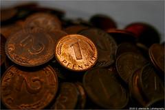 _goin'_round (l--o-o--kin thru) Tags: macromondays circles round rund pfennig copper kupfer geld money macro mondays