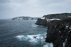 Dark Lands (Aymeric Gouin) Tags: canada newfoundland terreneuve sea mer ocean water eau landscape paysage paisaje landschaft cliff falaise nature winter hiver neige snow maritime dark sombre travel voyage fujifilm xt2 aymgo aymericgouin trail hike