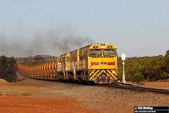 27 January 2018 P2508 P2513 P2501 7725 loaded ore Eradu (RailWA) Tags: railwa philmelling aurizon geraldton midwest p2508 p2513 p2501 7725 loaded ore eradu