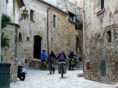 Pals (german_geo89) Tags: street carrer calle bici bike pals girona catalunya catalonia cataluña spain