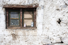 Broken window (bag_lady) Tags: pangonglake settlement home stonehouse ladakh jammuandkashmir india brokenwindow