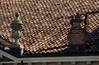 Ornements et cheminée : la beauté d'un toit, piazza Vittorio Emanuele, Montagnana, province de Padoue, Vénétie, Italie. (byb64 (en voyage jusqu'au 04-06)) Tags: montagnana provincedepadoue provinciadipadova padoue padova veneto vénétie venetien italie italy italia italien europe eu europa ue ville citta ciudad town stadt cathédrale cathedral catedrala dom duomo santamariaassunta église church chiesa iglesia kirche moyenage medioevo middleages edadmedia renaissance renacimiento rinascimento