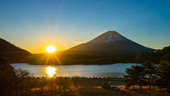 Good Morning Fuji-san (BoXed_FisH) Tags: sony1635mmvariotessartfef4zaoss sonyzeiss1635f4oss asia fujisan kawaguchiko lake landscape mountfuji mountain mtfuji sel1635z shoji shojiko sony sonya7 sonyzeiss travel volcano wide wideangle minamitsurugun yamanashiken japan jp panorama sunrise sun fuji
