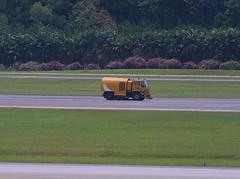 Singapore Changi, March 21st 2003 (Southsea_Matt) Tags: singapore changi wsss sin canon d30 spring 2003 march airport transport runway