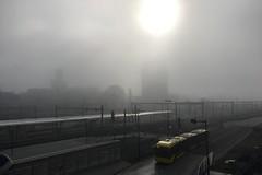 Utrecht Centraal in de mist (Hans Westerink) Tags: inktpot prorail mist bus brt dubbelgeleed vooru bru utrecht netherlands hanswesterink brouillard