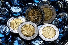 PER CINQUE DENARI.... (FRANCO600D) Tags: hmm macro macromondays lira monete spiccioli backintheday giuda traditore 30denari bibbia vangelo euro salario canon eos5d franco600d