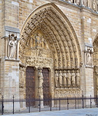 Notre Dame de Paris, France (Phil du Valois) Tags: notredame paris cathédrale france portail tympan jugement arch archange saint michel archangesaintmichel balance notr no