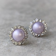Lavender pearl earrings! Ships in a gift box! https://t.co/csQYilaYJs #jewelry #Earrings #cute #gift #wedding https://t.co/sVljiPaYBO (petalperceptions.etsy.com) Tags: etsy gift shop fashion jewelry cute