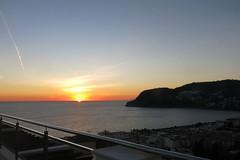 Todos se van (Micheo) Tags: granada spain sunset atardecer puestadesol ocaso anochecer dusk mar mediterraneansea mediterraneo magia magic adiós despedida farewell vistas views terraza playa