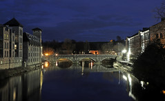 River Kent in Kendal, Cumbria (Roger Wasley) Tags: riverkent kendal cumbria lakedistrict night river water stramongate bridge southlakelanddistrict