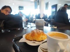 Lisbon Airport... A TAP flight... So, Slight Delay... (hn.) Tags: aeroporto airport airportcafé café coffeeshop croissant food essen nahrung meal cup cupofcoffee delay delayed drink eu europa europe flightdelay flughafen flugverspätung galao gastronmie gastronomy getränk heisgetränk hotdrink kaffee lisboa lisbon lissabon milchkaffee milkcoffee portugal pt restaurant verspätet verspätung heiconeumeyer copyright copyrighted