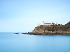 Faro de Cudillero (bertigarcas) Tags: olympus omd em5ii zuiko paisaje landscape asturias cudillero españa spain largaexposicion longexposure faro lighthouse blue marina seascape 1240