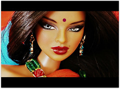 Close-up (Deejay Bafaroy) Tags: fashion royalty fr integrity toys doll puppe isha kalpana narayanan rarefind ooak rerooted portrait porträt barbie indian red rot orange green grün blue blau turquoise türkis closeup cinerama