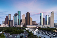 #Views (RaulCano82) Tags: houston htx htown hou houstontx houstontexas houstonskyline dslr tx 80d canon raulcano photography dthtx downtownhouston downtown skyline skyscrapers sunset sky bluehour buildings city cityscape landscape skyscraper citylights texas haif