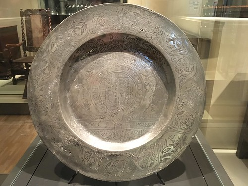 Commemorative dish, maker unknown; England, c1662; pewter