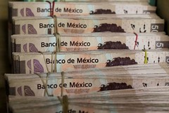 Trade worries likely to end Mexico peso's recent upswing: Reuters poll (majjed2008) Tags: mexico peso039s poll reuters trade upswing worries