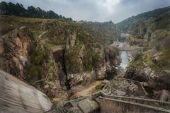 Presa-del-Villar (invesado) Tags: presa agua rio paisaje verdes amanecer madrid naturaleza nikon d750 20mm 18