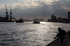 Hamburg Hafen Gegenlicht (martin.mois) Tags: hamburg hafen port gegenlicht reflektionen reflections light harbour ships