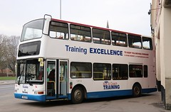 East Yorkshire Driver Trainer 9918 546 EYB outside Anlaby Rd depot in Hull. (Gobbiner) Tags: president b7tl 9918 londoncentral eyms drivertrainer w448wgh eastyorkshire plaxton 546eyb volvo pvl48 hull