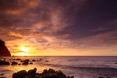 Golden sundown (Rico the noob) Tags: 2018 rock d850 landscape sunset 20mm water outdoor stones clouds longexposure ocean published rocks dof sun tenerife sea teneriffa 20mmf18 nature sky