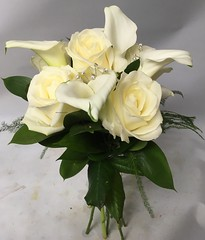 Roses and Calla (Flowers by Moonstones - Fareham Florist) Tags: bridalbouquet weddingbouquet weddingflowers bridal wedding flowersbymoonstones moonstones flowers florist fareham farehamflorist freshflower white roses callalily calla lily